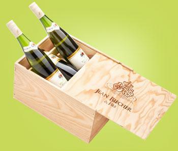 Jean Biecher Pinot Gris levereras i genuin trälåda om 6 flaskor beställs