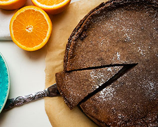 Chokladpaj med apelsinfyllning