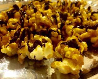 Karamelliserade popcorn