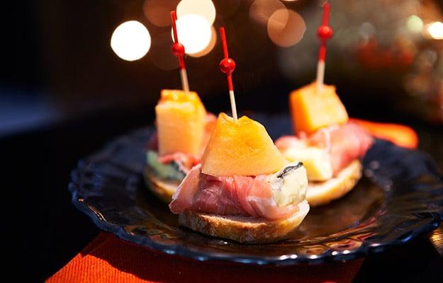 Pincho med ost och parma