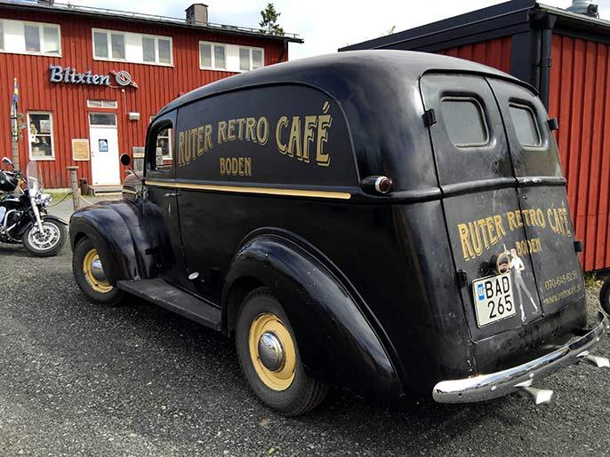 Retro-car-686