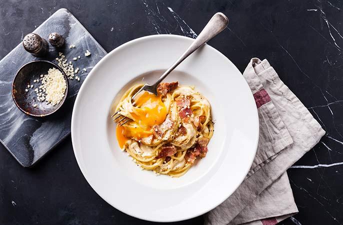Pasta-carbonara-tallrik-686