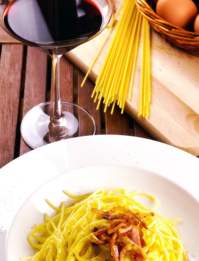 Pasta-carbonara-wine-686