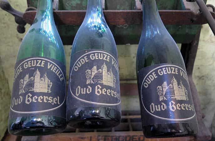 Beersel-old-bottles-686