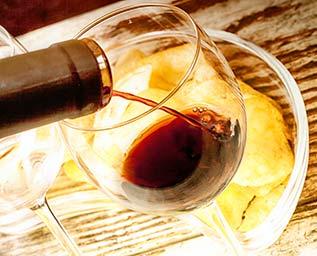 Mello, snacks och vin
