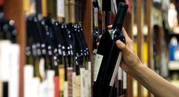 Svensken väljer allt dyrare vin